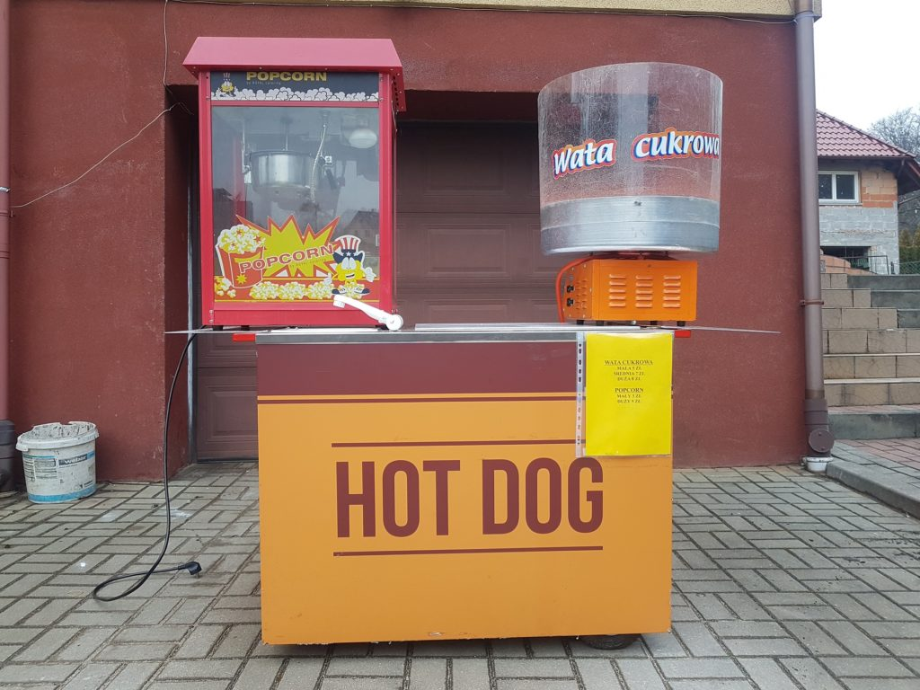 Stoisko hot dog, wata cukrowa, popcorn